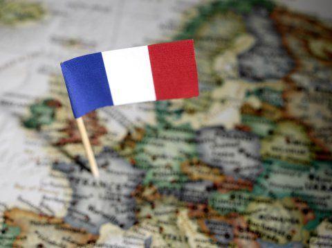 O Ministério da Educação lançou um recurso virtual para quem deseja aprender o idioma francês: o site Francoclic. Por meio da ferramenta, é possível assistir a aulas online gratuitas da língua, que vão do nível básico ao avançado.