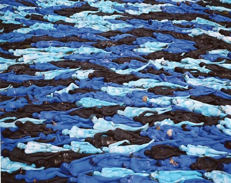 LAYERS OF PEOPLE | SPENCER TUNICK — Patternity