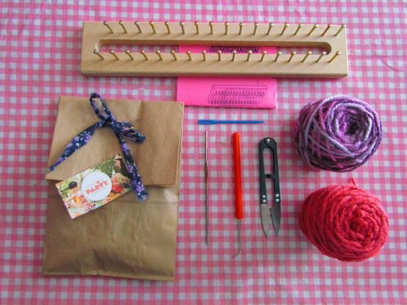 rectangular loom knitting KIT by pomponsparty on Etsy, $15.00  kit para aprender a tejer con telar azteca, telar maya, telar rectangular