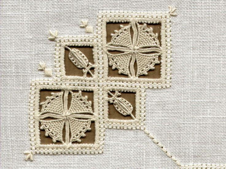 Reticello Embroidery from 'Fior di reticello' (Reticella 2) by Giuliana Buonpadre (Q-5-pag-49)