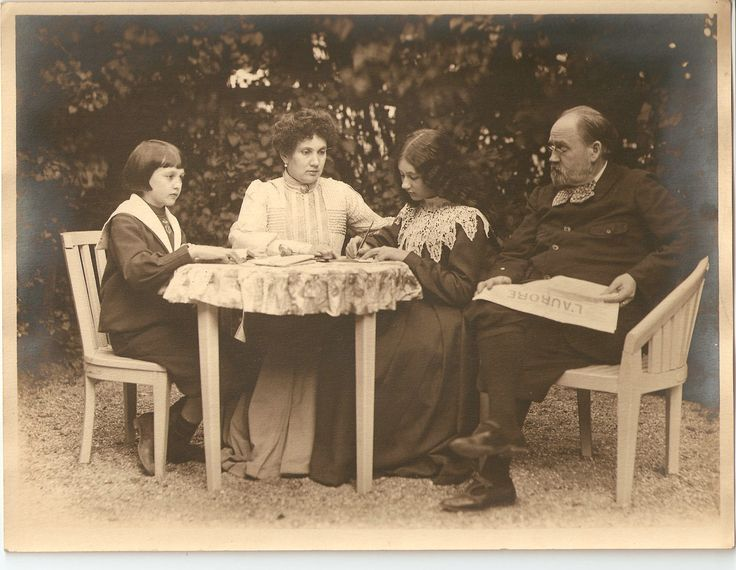 Emile Zola (1840-1902) and his family