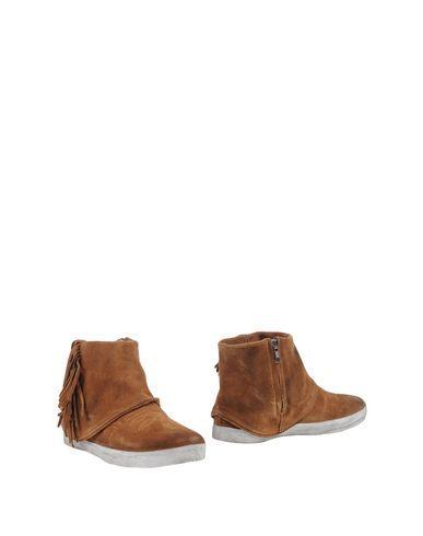 CATARINA MARTINS Ankle boot. #catarinamartins #shoes #