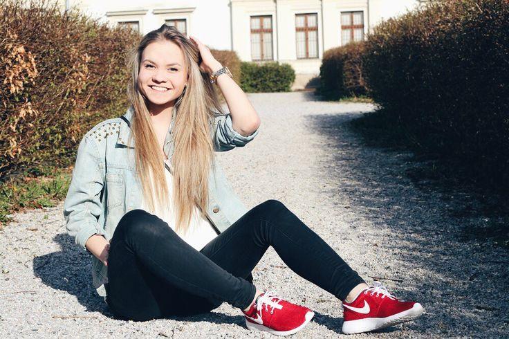 Lucie Šumová: COLOURS