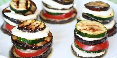 Lækkert italiensk inspireret tilbehør. Server f.eks. til pastaretter og kødretter eller som en lille vegetarisk ret i sig selv.