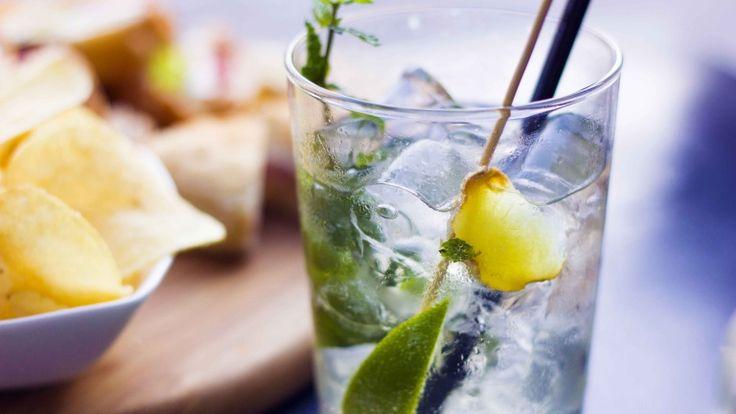 Cocktail Hugo con dosi, ingredienti e preparazione, cocktail Hugo ricetta