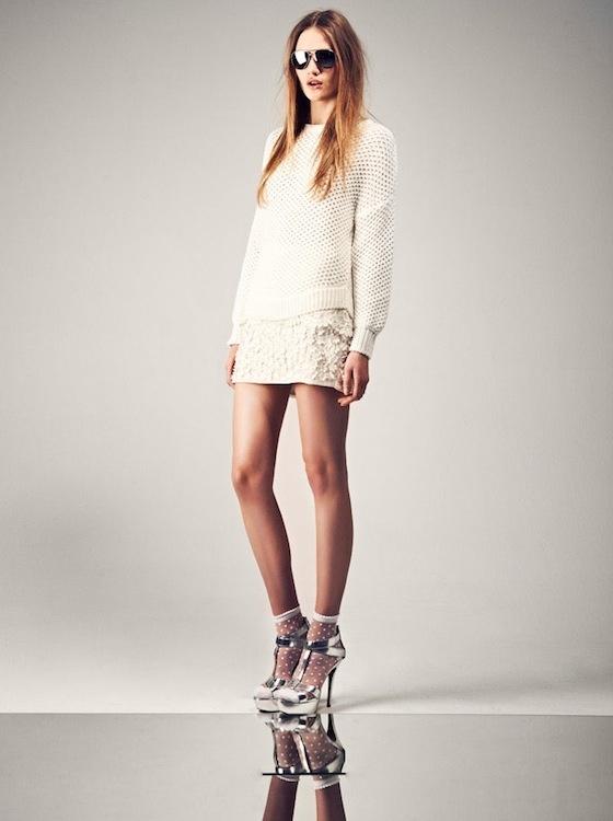Es una realidad: la moda étnica ataca de nuevo y pantalones cortos con aplicaciones o chaquetas tipo bomber se impregnan de esta moda. ¿Cómo la vas a lucir? Con prendas lisas crean un gran contraste y le dan todo el protagonismo que se merecen.