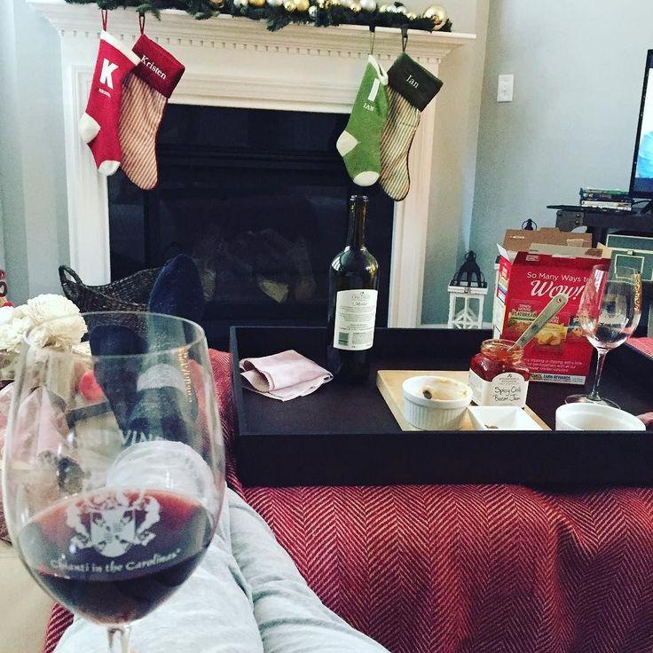 Our holidays have officially begun! #merrychristmas #theunexpectedhousewife #clt #winelovers #holidayseason #longweekend #hubbyshome #childressvineyards #raffaldinivineyards