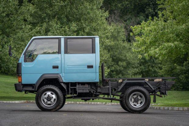 1991 Mitsubishi Fuso Canter Crew Cab 4wd In 2020 Canter Mitsubishi Mini Trucks