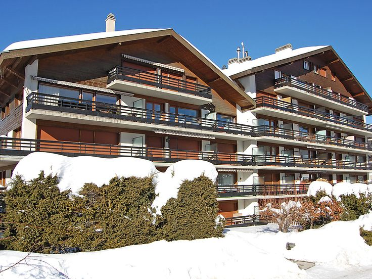 """Muverans I L2 - Apartment - NENDAZ - Switzerland - 610 CHF """"Muverans I L2"""", 2-room apartment 60 m2 on 2nd floor. Living/dining room with 2 fold-away beds, open-hearth fireplace and cable TV. 1 room with 1 french bed. Kitchen (oven, dishwasher). Bath/WC. Balco"""