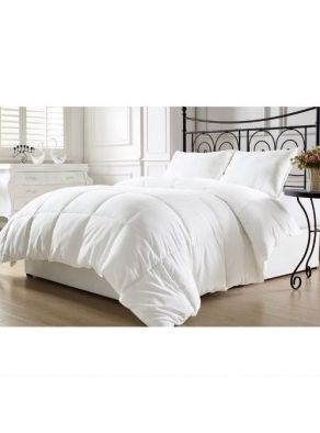 Queen size Hypoallergenic Down Alternative Comforter in White   Hypoallergenic down comforters provide the warmth and softness of down that minimize the development of allergic reactions. It can make a big difference in sleep comfort and overall allergy levels. Fits both Full and Queen Size beds.