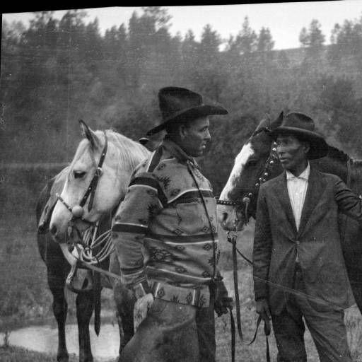 Шайены с осёдланными лошадьми. Фото 1. Thomas Marquis.