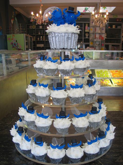 Blue Bulls themed Cupcake wedding tower by Charly's Bakery, via Flickr