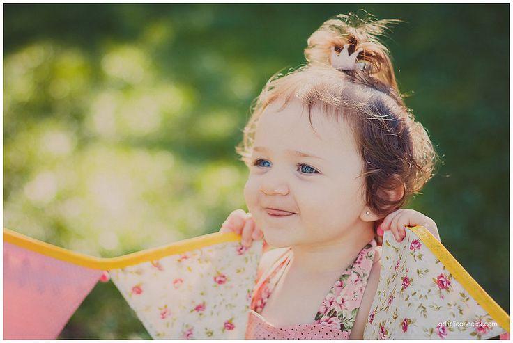 Julia e as bandeirolas | Book Infantil em Curitiba | Book de Gestante e Infantil, Fotografia de Família e Bebês em Curitiba