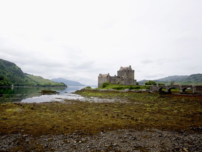 eilean donna castle - scotland