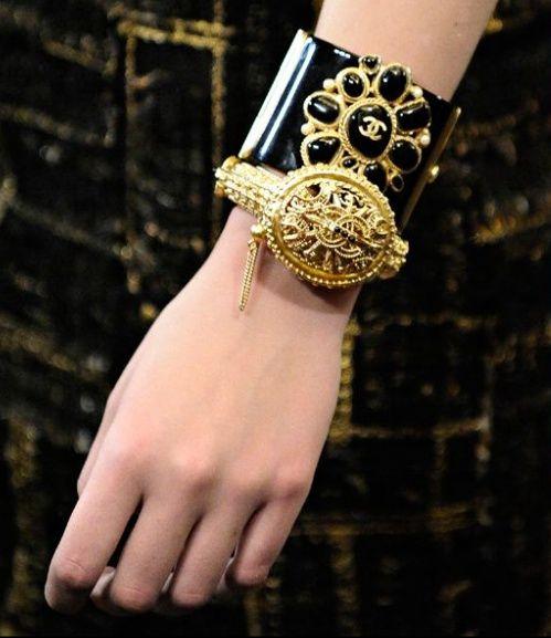 Chanel  Cuff @}-,-;--