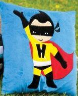 Superman Hippe kussenhoes I am Super, Superman Accessoires en meer. -Kinderkapstok, kinderlampen, Kinderkamer-Accessoires en Muurstickers bij Dreumes enZo alles voor de Kinderkamer of Babykamer.