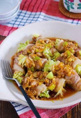レンジでラクラク♪『キャベツの豚バラ巻き*香味中華だれがけ』 by Yuu | レシピサイト「Nadia | ナディア」プロの料理を無料で検索