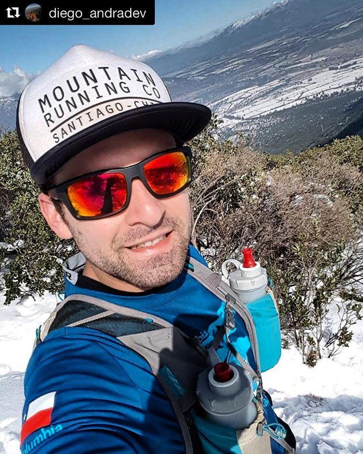 Con la inspiración del fin de semana comenzamos otro lunes entusiasmados. @diego_andradev no la pensó dos veces y visitó su propio gimnasio . : info@stgomrco.com  #Repost @diego_andradev (@get_repost)Disfrutando el patio con nieve! #stgomrco #buffchile #cabradelmonte #cervezaquimera #nutricionenbalance #club #equipo #crew #training #run #runner #mountain #trailrunning #ultratrail #running #outside #outdoor #experience #getoutside #weekend #fun #snow #nieve #parque #panul #laflorida #santiago…