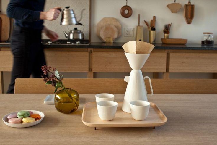 ... design - service à café en blanc neige et plateau en bois massif
