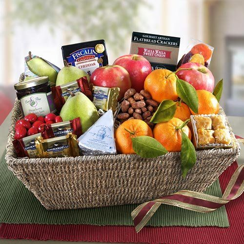 {Quick and Easy Gift Ideas from the USA}  California Farmstead Gourmet and Fruit Basket http://welikedthis.com/california-farmstead-gourmet-and-fruit-basket #gifts #giftideas #welikedthisusa