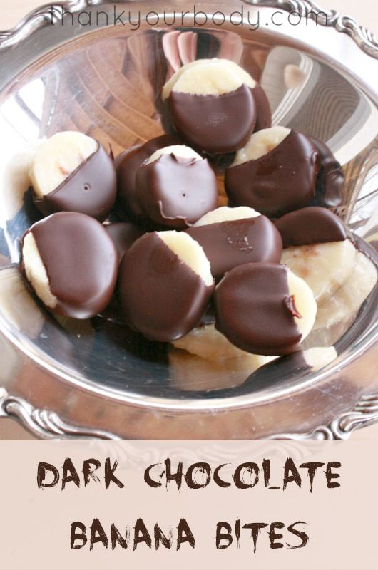 Craving Chocolate? These frozen Dark Chocolate Banana Bites are easy to make using organic, fair trade dark chocolate. What a sweet, healthy snack!