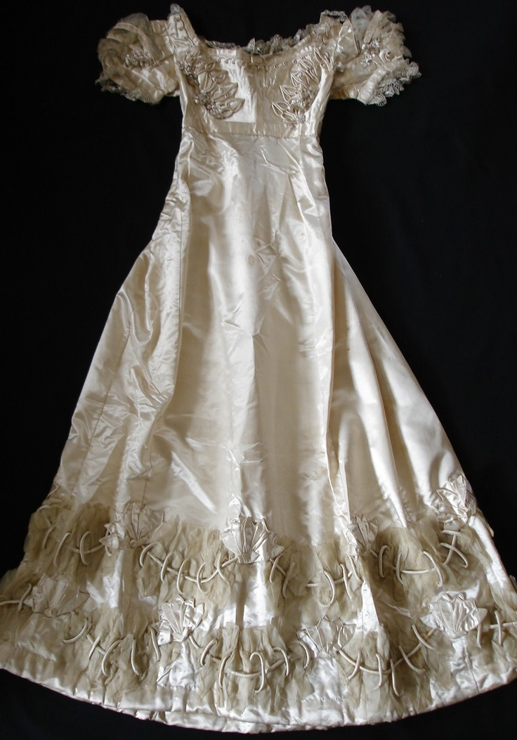 135 best 1800 39 s fashion images on pinterest historical for 1800 style wedding dresses