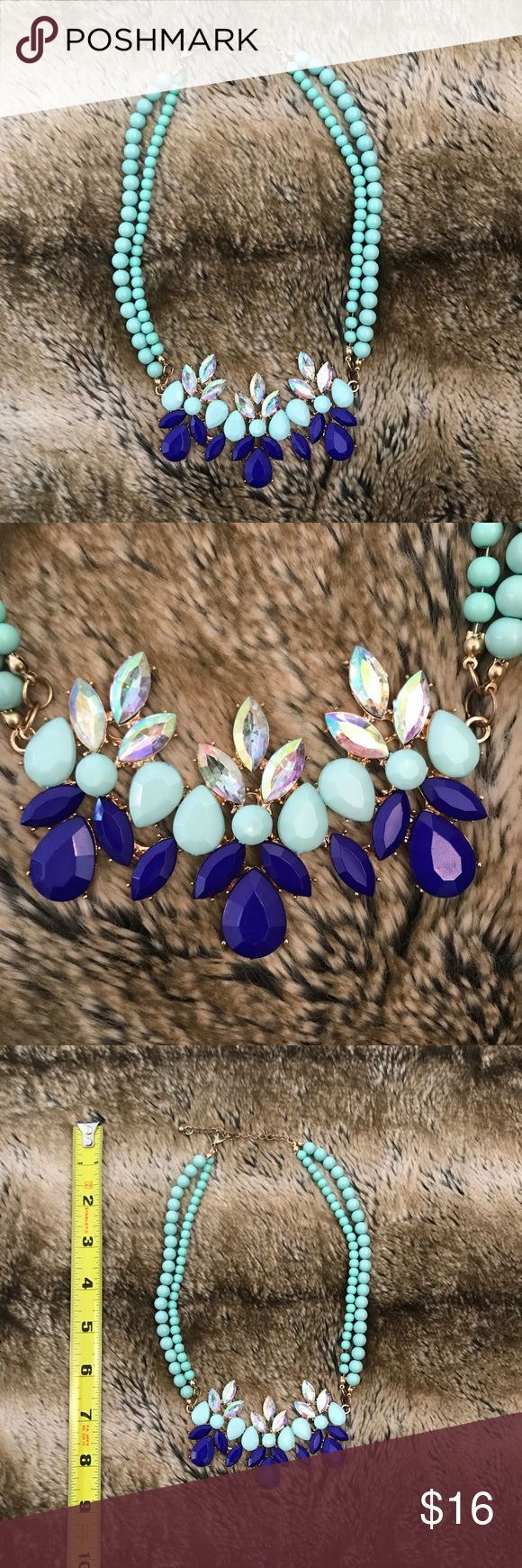 SALE🎉 Mint Green and Blue Statement Necklace Beautiful statement necklace with mint green beads and blue, mint green, iridescent gems. Adjustable chain length. Purchased from a boutique. Unbranded Jewelry Necklaces