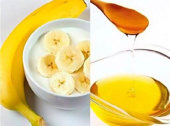 Не стоит тратить большое количество денег на маски для лица. Можно приготовить средство для ухода в домашних условиях, и оно будет ничуть не хуже. Всё, что тебе понадобится, это натуральные и достаточно недорогие ингредиенты: банан, йогурт и мёд. #банановая_маска_для_лица,#банановые_маски_в_домашних_условиях, #банановые_маски_от_морщин,#маски_из_банана_от_морщин