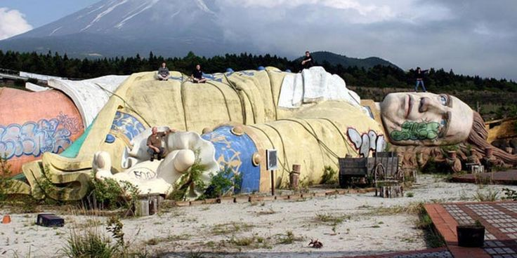 30 Locuri incredibile dar abandonate din lume: Parcul Gulliver's Travels