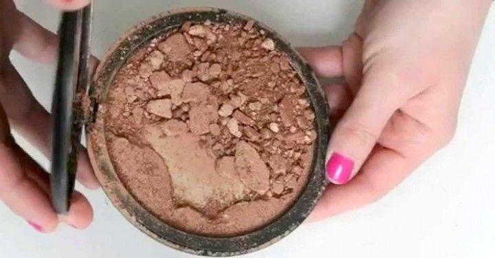 Met slechts 1 ingrediënt repareer je heel gemakkelijk gebroken make-up poeder