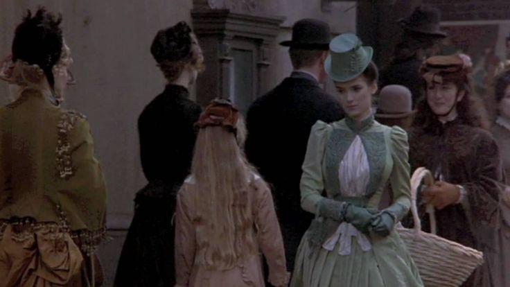 Mina Harker's Dresses - Bram Stoker's Dracula