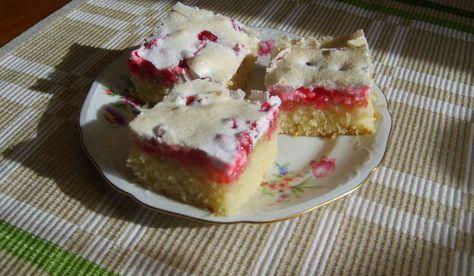 Långpannekaka. Snabbt och enkelt om du har 3 dl röda vinbär. Tips! Frys in 3 dl rödvinbär i påsar, enkelt när du ska baka kakan senare under året.