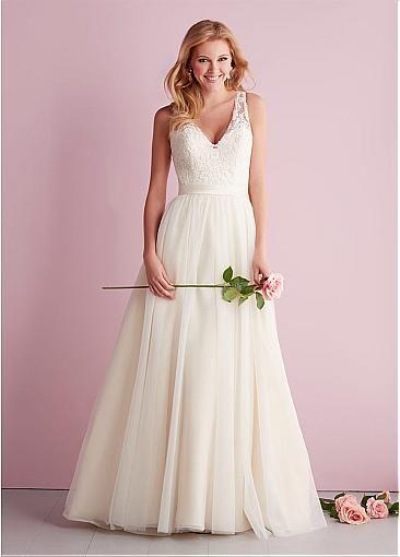 Amazing Tulle A-line V-neck Neckline Natural Waistline Wedding Dress