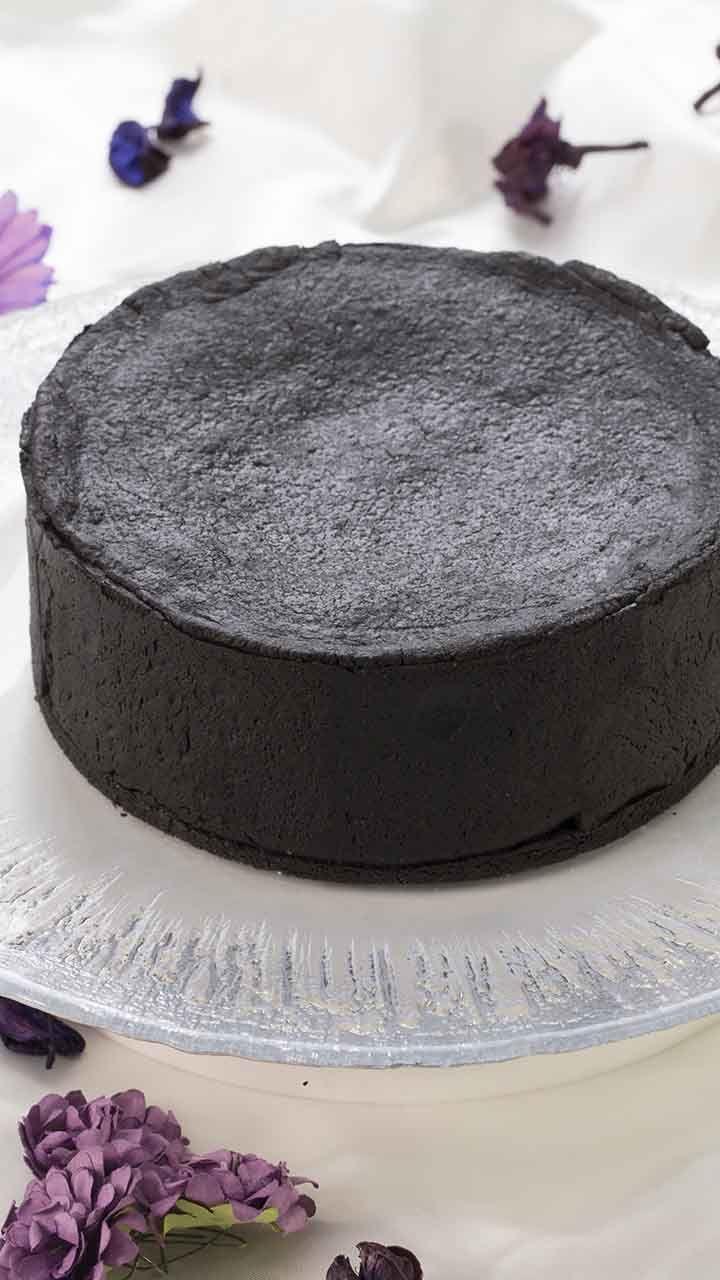 見た目のインパクト大 中を覗いて見るとベイクドチーズケーキでもないレアチーズでもない 滑らかなベイクドレアチーズケーキ クリスマス レシピ ケーキ ハロウィン デザート レシピ デザート