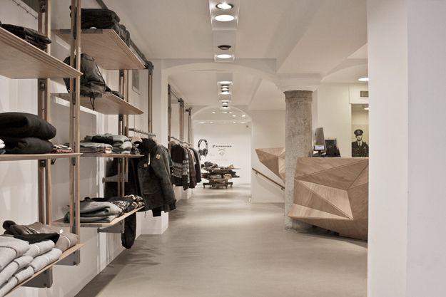 Iuter store, Milan