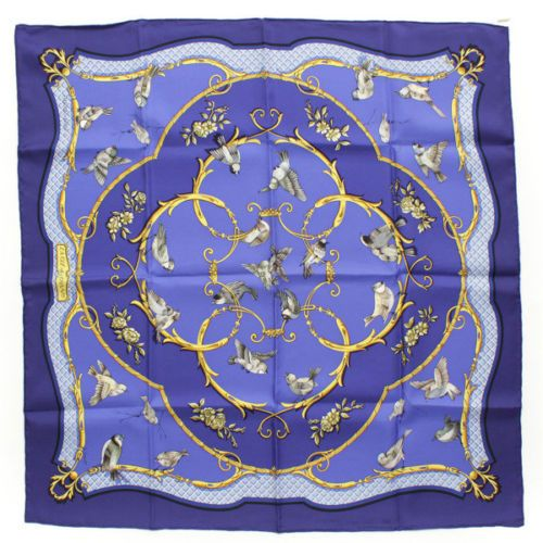 AUTHENTIC-HERMES-CARRE-90-SILK-SCARF-LA-CLE-DES-CHAMPS-BLUE-GRADE-A-USED-AT