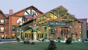 Great Wolf Lodge in Kansas City-its close to home but would like to stay here
