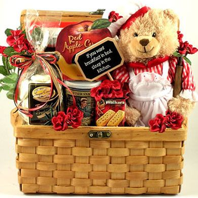 Unique gift baskets women momma mia gift basket for Unique uni gifts under 25