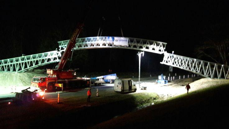 De nieuwe voetgangersbrug in de zogeheten Umfassungsweg verbindt Stad Delden met het landgoed Twickel