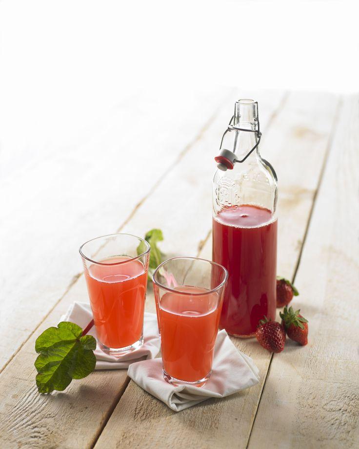 Jordbær-rabarbersaft