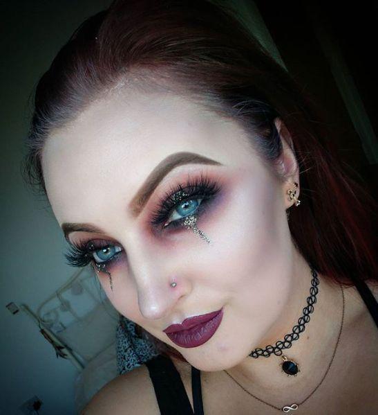 50 Pretty Halloween Makeup Ideas You'll Love | StyleCaster
