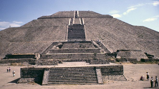 Pictures Teotihuacan Pyramids Mexico City | Piramide del Sol — Pyramid of the Sun — Teotihuacan, Mexico