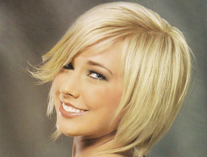 Стрижка боб на тонкие волосы это самый лучший вариант для овального или круглого лица. Подобрать прическу боб можно по фото у нас на сайте или посмотреть видео.