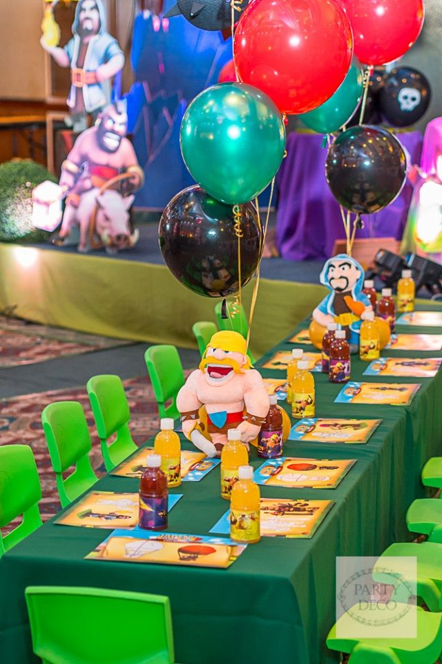 Jaden's Clash of Clans Themed Party - Table Setup
