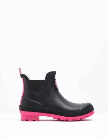 Joules Womens Short Wellies, Cerise Pink.                     Classic, practical and stylish. These ankle boots are here so that every outdoor adventure (no matter how big or small!) can be enjoyed in style.