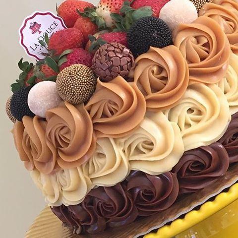 """1,564 Likes, 124 Comments - @danielegalindo (@umbocadinhodeideias) on Instagram: """"Diz se não é pra dar água na boca? Imagem do ig @ladouce_por_valeriateles #cake #cake…"""""""