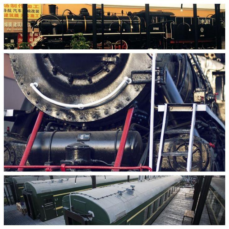A #Shangai un vecchio treno con locomotiva a vapore è stato riconvertito in un bellissimo ostello