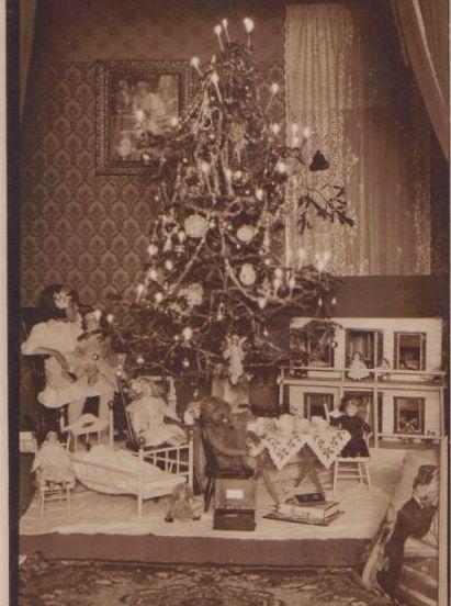 257 best Christmas Trees Vintage images on Pinterest