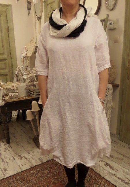 Üzlet: HOME BAZAAR- len és tervezői ruhák Budapest, VII.kerület, Kazinczy utca 6/a. 1-escsengő https://www.facebook.com/Lenruha  Online rendelés IS!El kel küldened a kiválasztott ruha képét a   zsoka@homebazaar.hu-ra a centis méreteiddel és a tel.számoddal -felhívlak,vagy megírom az árat!