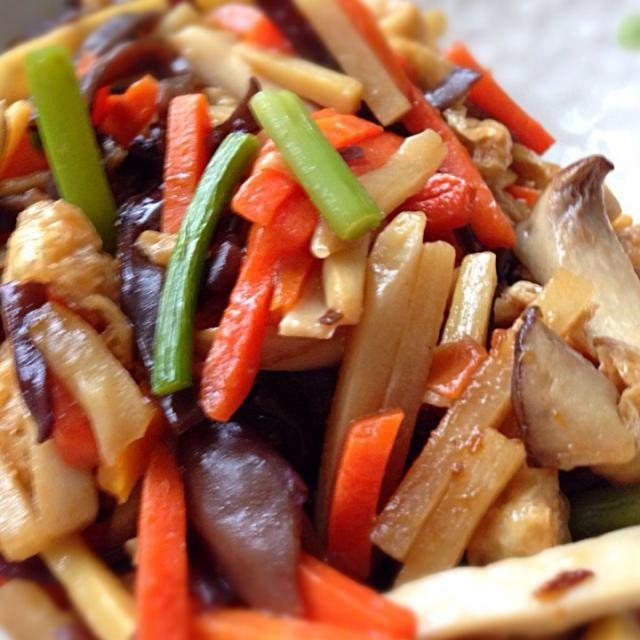エリンギ、キクラゲ、ニンジン、ニンニクの芽、タケノコ、そして肉の代わりに油揚げを入れて中華風の野菜炒めを作ってみた。 - 64件のもぐもぐ - 中華風野菜炒め。。 by porco1959